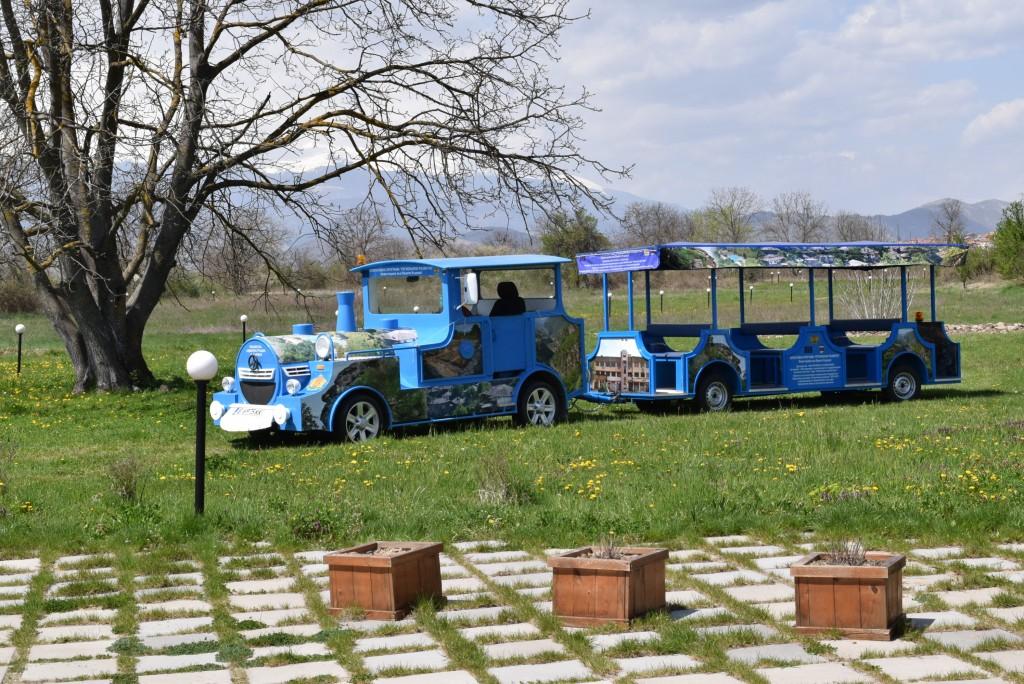 Fancy train to Leshten and Kovatchevitsa