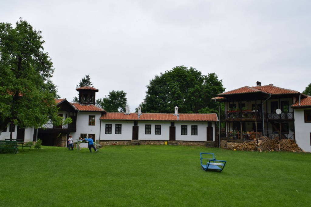 Etropole Monastery, the yard