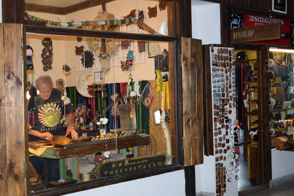 Crafts workshop in the covered bridge