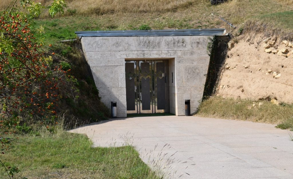 Sveshtari tomb bulgaria what to see